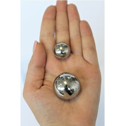Металлические вагинальные шарики разного диаметра